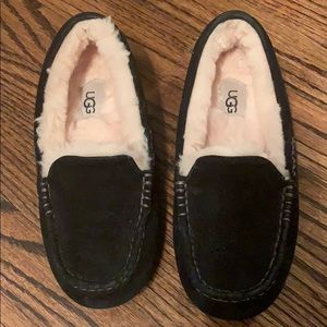 UGG Women's Moccassin shoes